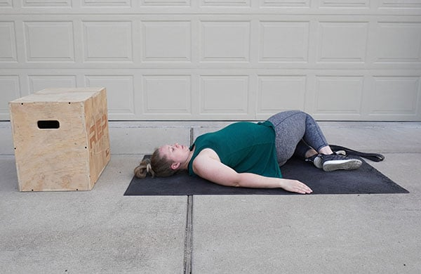 stretch for round ligament pain