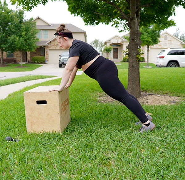 Pregnant woman doing plank for SI joint pain